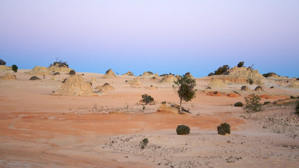 Camping Your Way Around Australia: Mungo National Park