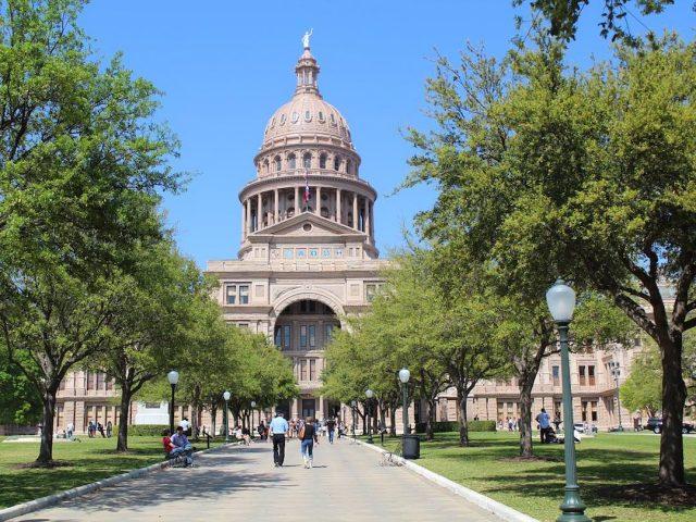 Dog-Friendly Capital Building in Austin